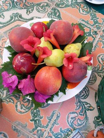 Frutta fresca produzione propria