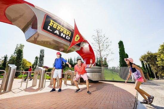 Salou, España: Visitando Ferrari Land