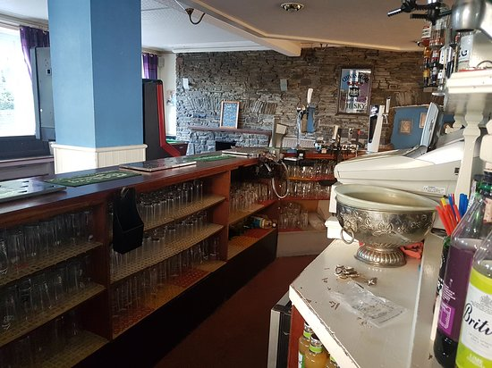 Pontardawe, UK: Bar area