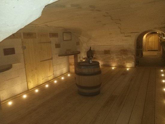 Bretteville-l'Orgueilleuse, France: The cellar