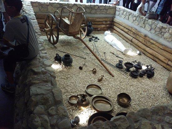 Campovalano, Italia: esempio di corredo funebre