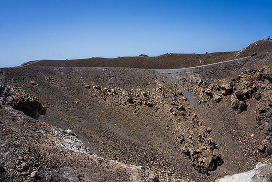 Lava Landschaft - Picture of Full-Day Caldera Cruise: Volcano Island
