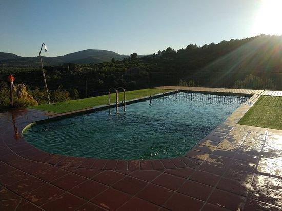 Vilar de Canes, España: Piscina y atardeceres