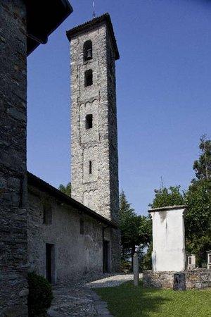 Gemonio, Włochy: San Pietro