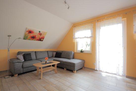 Elend, Almanya: Sofa/Wohnzimmer, Apartment mit 1 Schlafzimmer