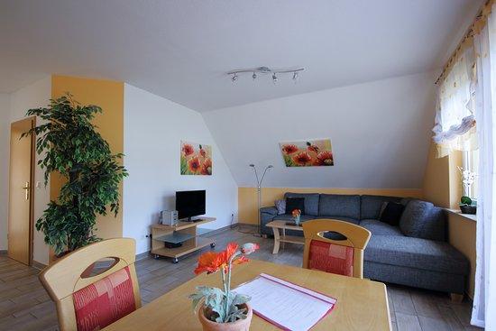 Elend, Germany: Wohnzimmer, Apartment mit 1 Schlafzimmer