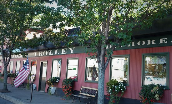 Dushore, PA: Jolly Trolley Variety
