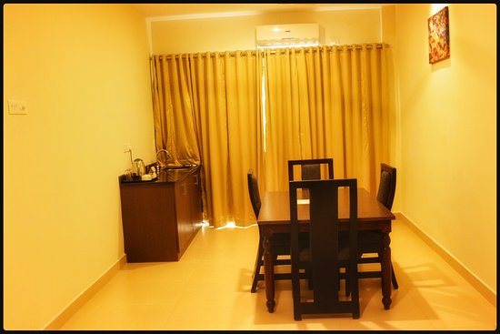 Adoor, India: presidential Suite dining area
