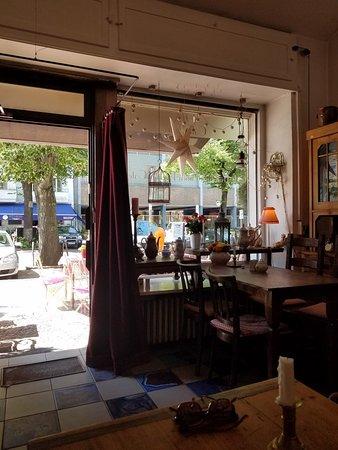 1900 Cafe Bistro: 20180730_140535_large.jpg