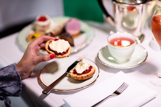 ‪Afternoon Tea at Royal Albert Hall‬