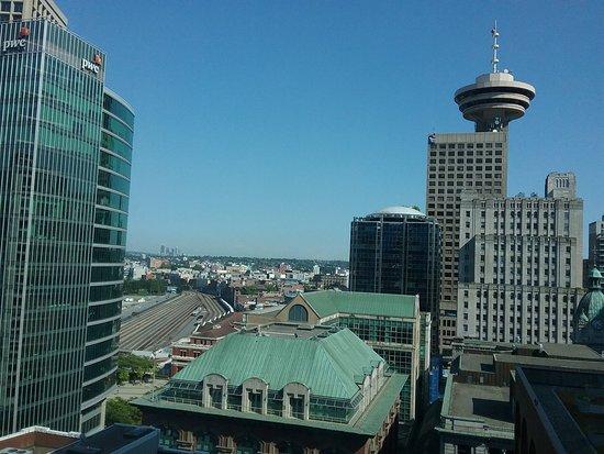 Auberge Vancouver Hotel: 20180725_003350_large.jpg