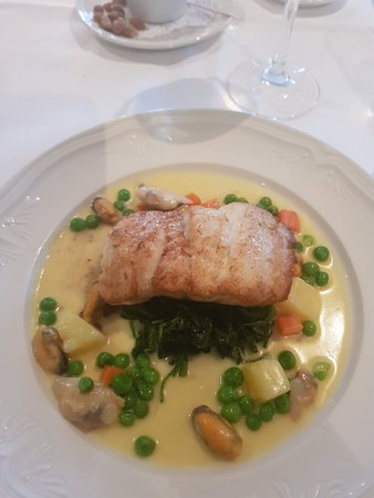 Sheedy's Country House Hotel: Hake paired with the house wine was gorgeous. The wine list was also very impressive .