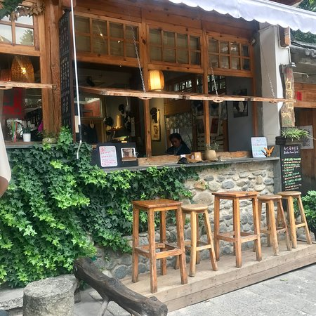 Bird Bar Cafe