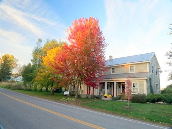 Saint Johnsville, NY: Front view Heritage Meadows Farm B & B