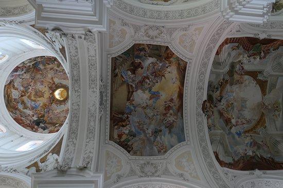 Reichsabtei Weingarten: Basilica dell'Abbazia di Weingarten particolare del soffitto