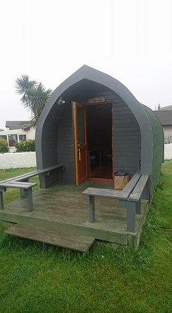 Kildonan, UK: Our pod and balcony