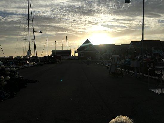 Klintholm Havn: Havnen i solnedgang