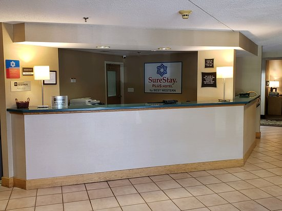 Elizabethtown, Pensilvania: Welcome to the SureStay Plus Hotel by Best Western!