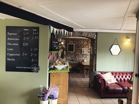 Pucklechurch, UK: Inside the cafe