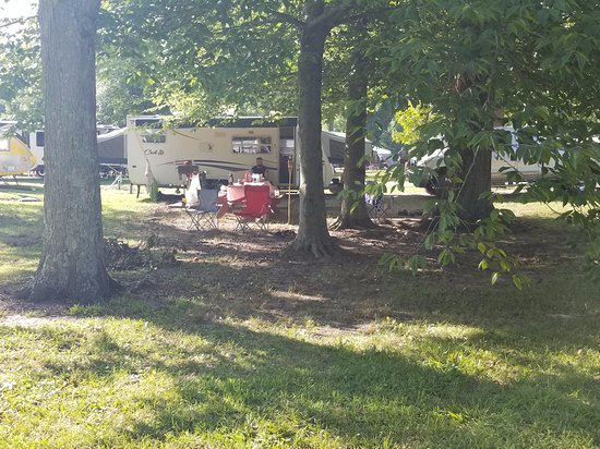 Batesville, IN: campsite. nice an shady.