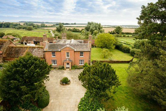 Wimborne Saint Giles, UK : All Hallows Farmhouse