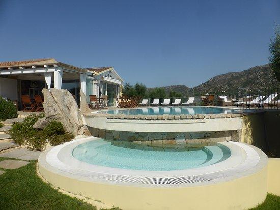 Rudalza, Italien: Pool - hier wird auch das Frühstück serviert