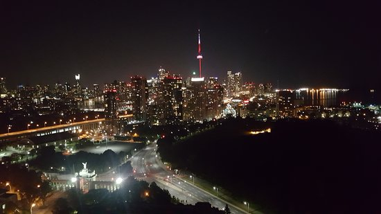 Vue du bar le soir - Picture of Hotel X Toronto by Library
