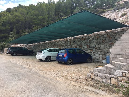 Gdinj, Croacia: parking