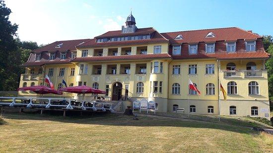 Ferien Hotel Villa Suedharz: Blick vom hauseigenen Parkplatz