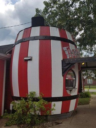 Okolona, KY: Barrel of Fun Ice Cream