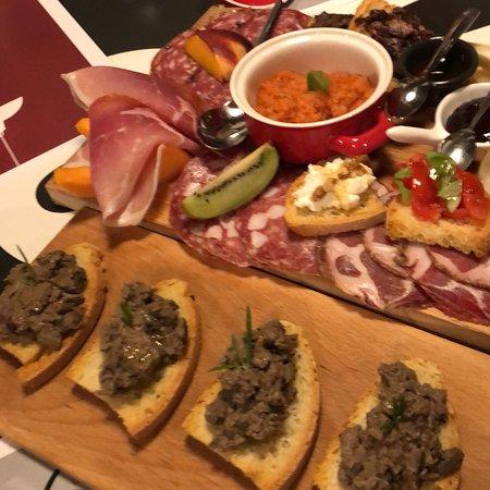 Pane Vino & Zucchero: Het beste restaurant van onze vakantie in Montepulciano ( parkeren op P6, in een doodlopend stra