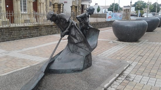 Llanelli, UK: Industrial Symphony Sculpture