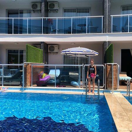 Groot complex, alles netjes op orde, swim up kamers zijn TOP!!