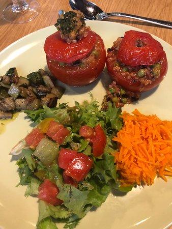 Tomate farcie aux petite legumes - Picture of Le Jardin Interieur ...