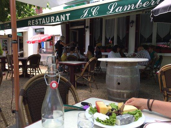 Saint-Georges-de-Montclard, Francia: Lekkere kaasjes