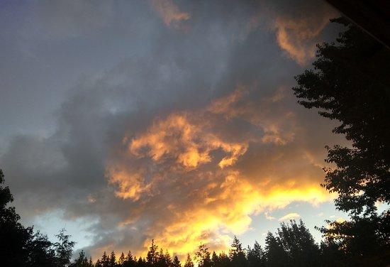 Husum, WA: Sunrise from Room 6 / Northern Nights