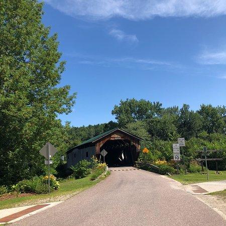 Cambridge Junction Covered Bridge Photo