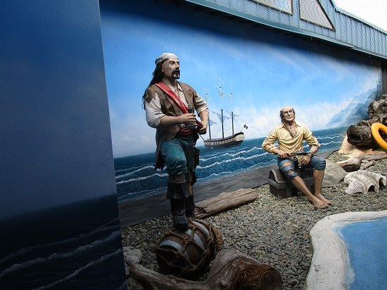 Ocean World: Say Cheese at this Cheesy Pirate exhibit