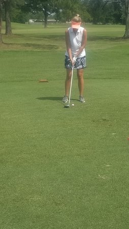 Isle Dauphine Golf Club: WIFE BOMBING IT OFF 1