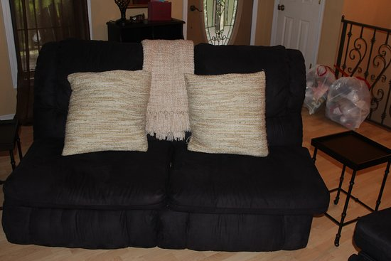 Glenwood, AR: Seating in the living room