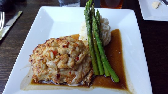 JoJo's Restaurant & Tap House: Chicken Chesapeake with asparagas and mashed potatoes.