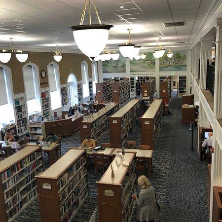 Smithtown Library