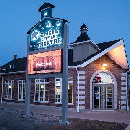 Simcoe, Canada: Community Theatre