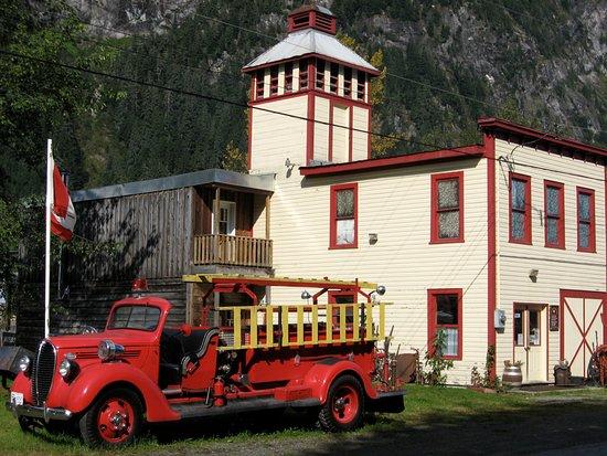 Old Stewart Museum Building