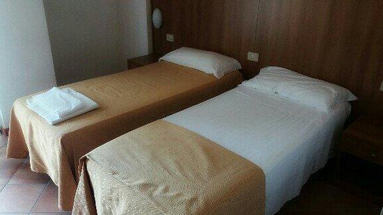 Hotel Casa del Pellegrino - Divino Amore Roma Photo