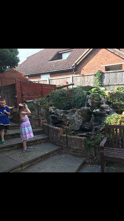 St Nicholas-at-Wade, UK: Fountain