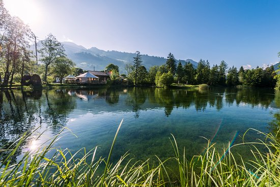 Zweisimmen, Suiza: Forellensee lake experience - great familiy & friends activity