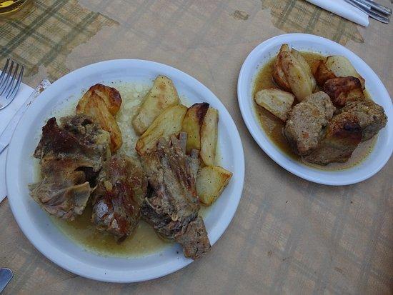 Ktima Petra: Κατσικάκι και χοιρινό στον ξυλόφουρνο