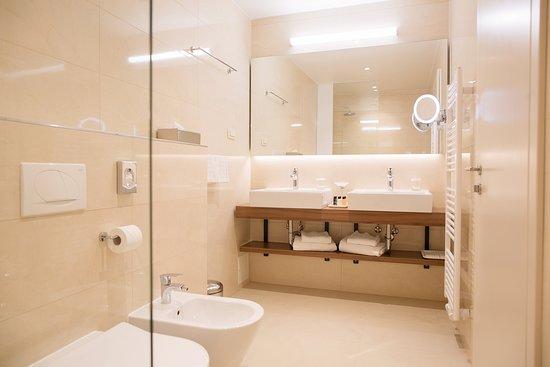 Grand Hotel Bernardin: Superior room - bathroom