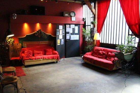 A La Folie Theatre